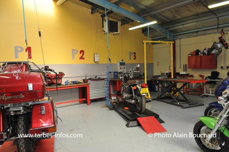 le centre de formation des apprentis modernise son atelier m canique moto site d. Black Bedroom Furniture Sets. Home Design Ideas